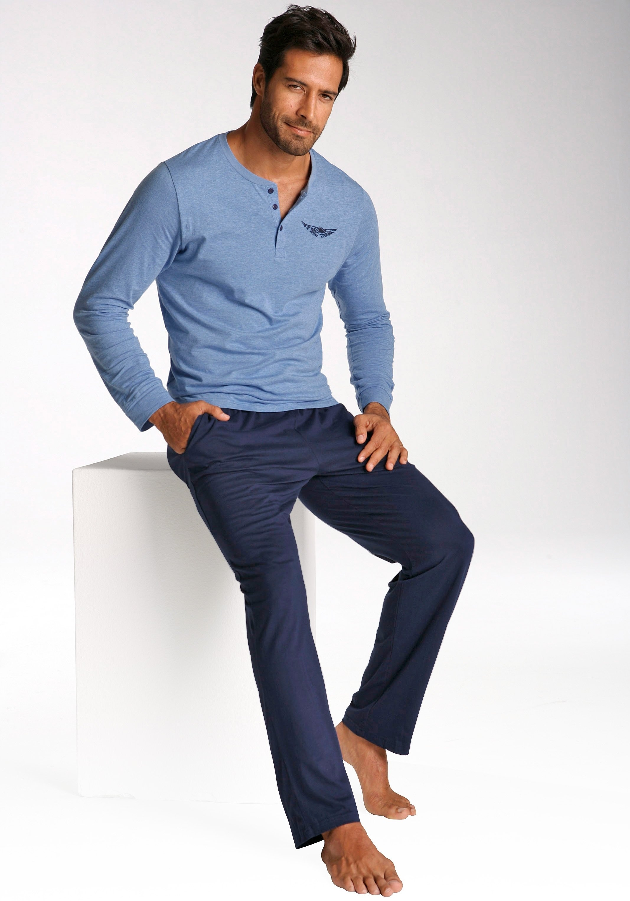 ARIZONA pyjama, in lang model, shirt met knoopsluiting en logoprint op borsthoogte online kopen op lascana.nl