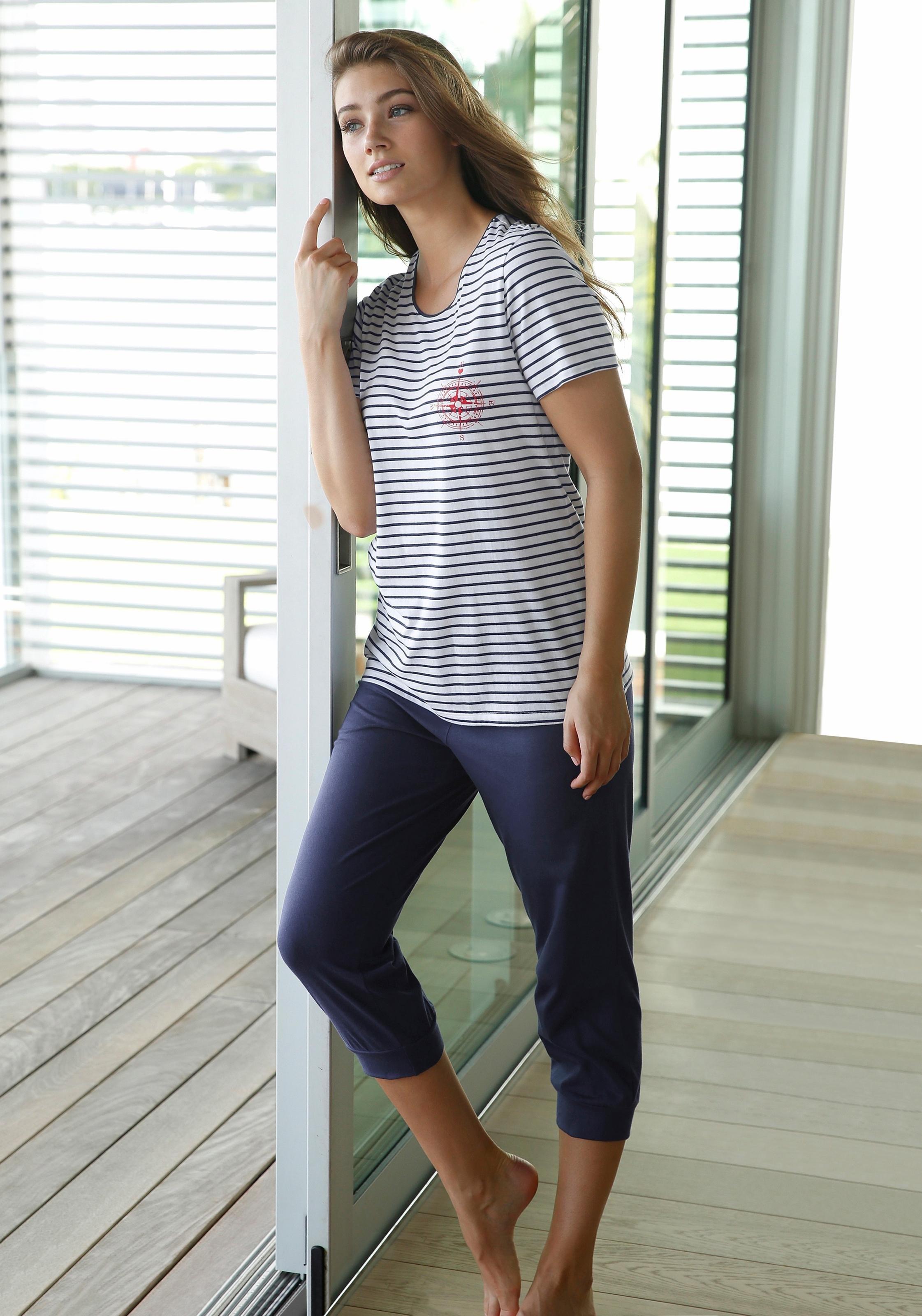 Op zoek naar een Schiesser capripyjama in marine-look? Koop online bij Lascana