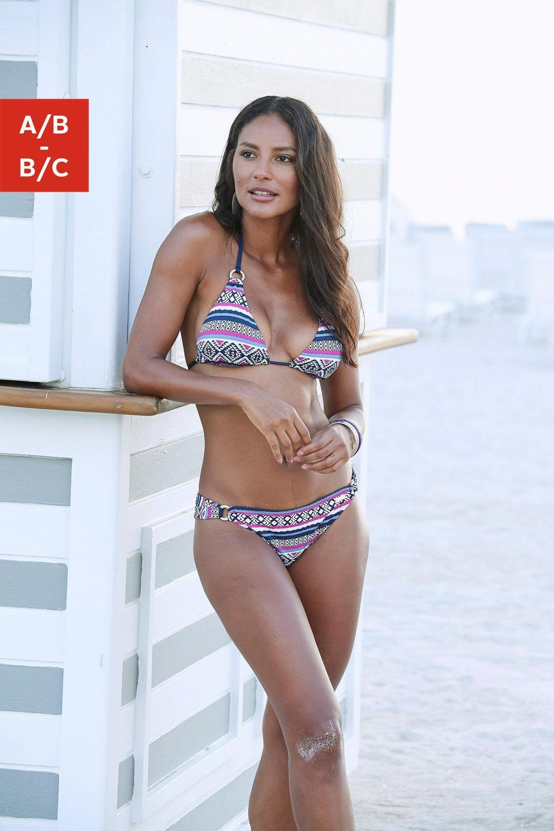 Lascana triangel-bikinitop Wintu met goudkleurige sierringen goedkoop op lascana.nl kopen