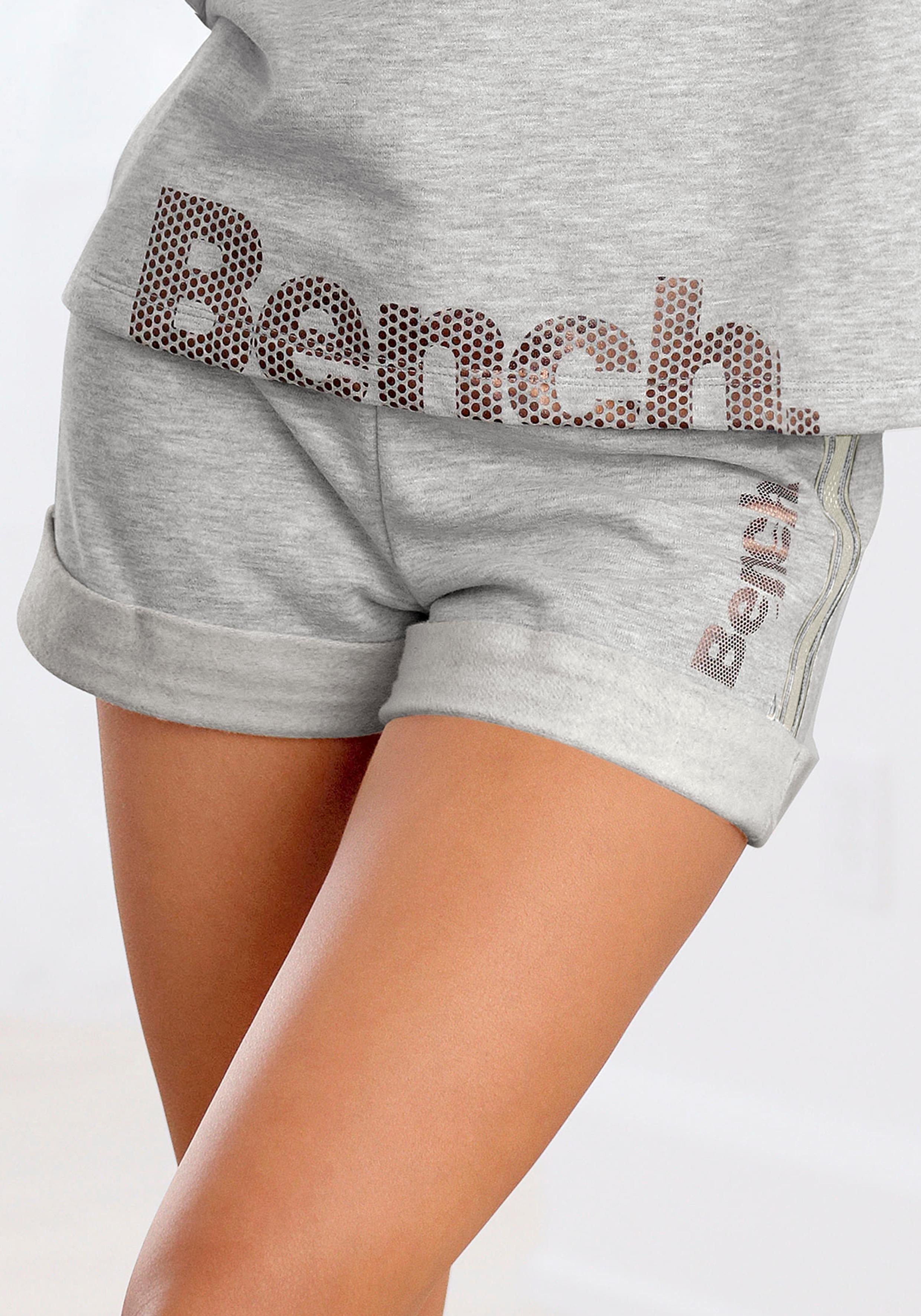 Bench. Relaxshorts met gestreepte band nu online kopen bij Lascana