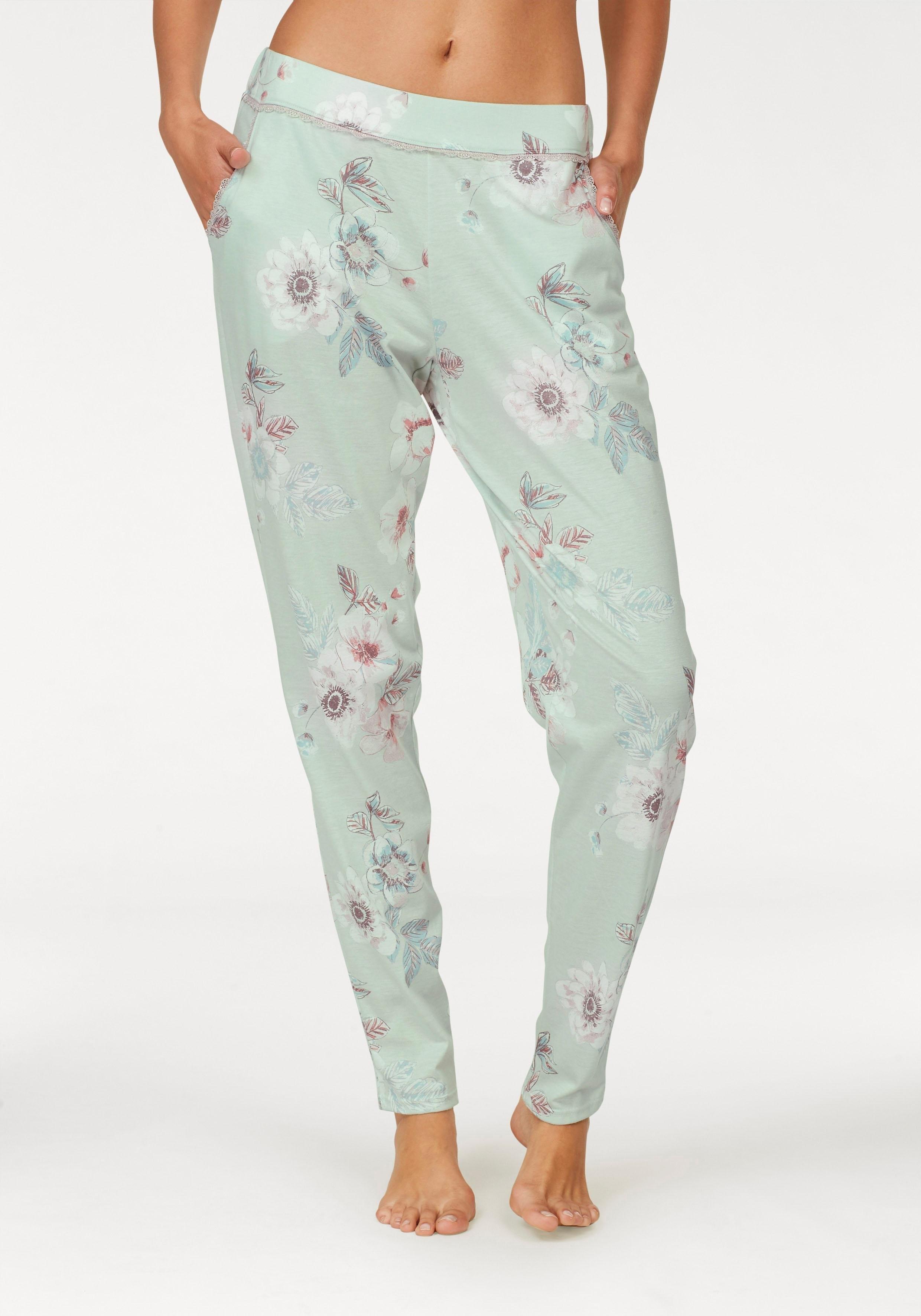 Calida gebloemde pyjamabroek met kanten randje bestellen: 14 dagen bedenktijd
