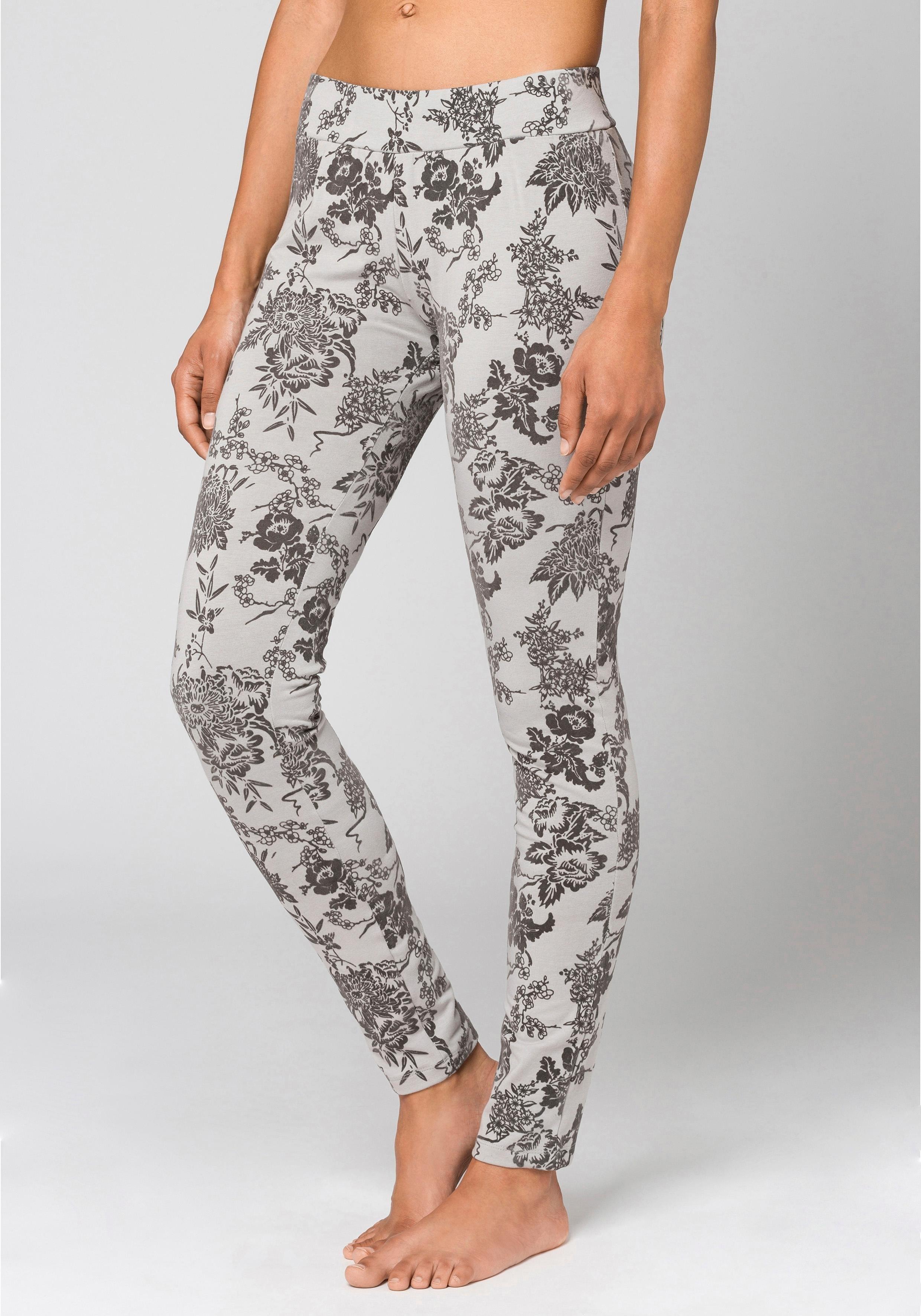 Op zoek naar een Bench. legging met fluwelige bloemenprint? Koop online bij Lascana