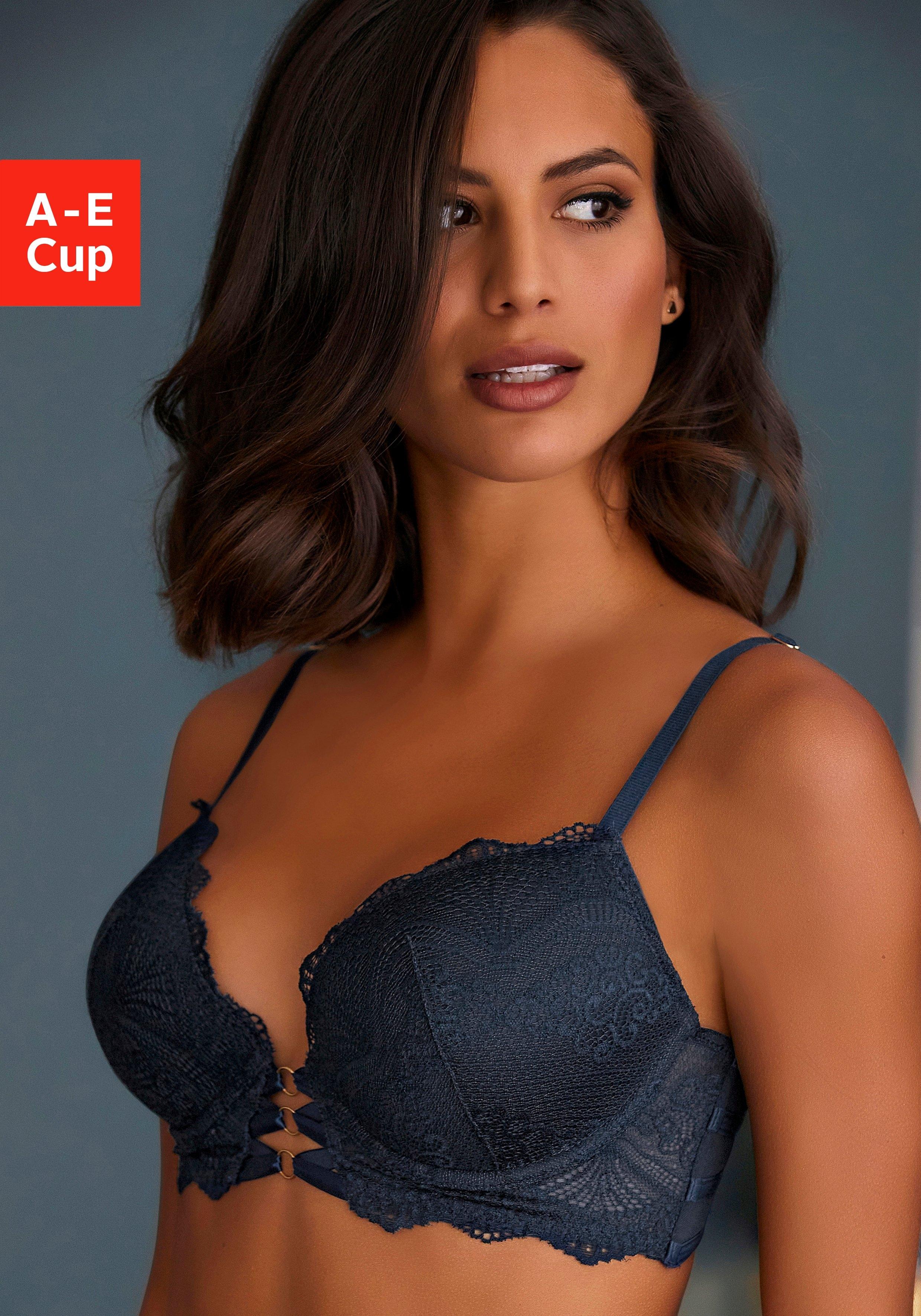 Op zoek naar een Lascana push-up-bh Eleonora met decoratieve vetersluiting? Koop online bij Lascana