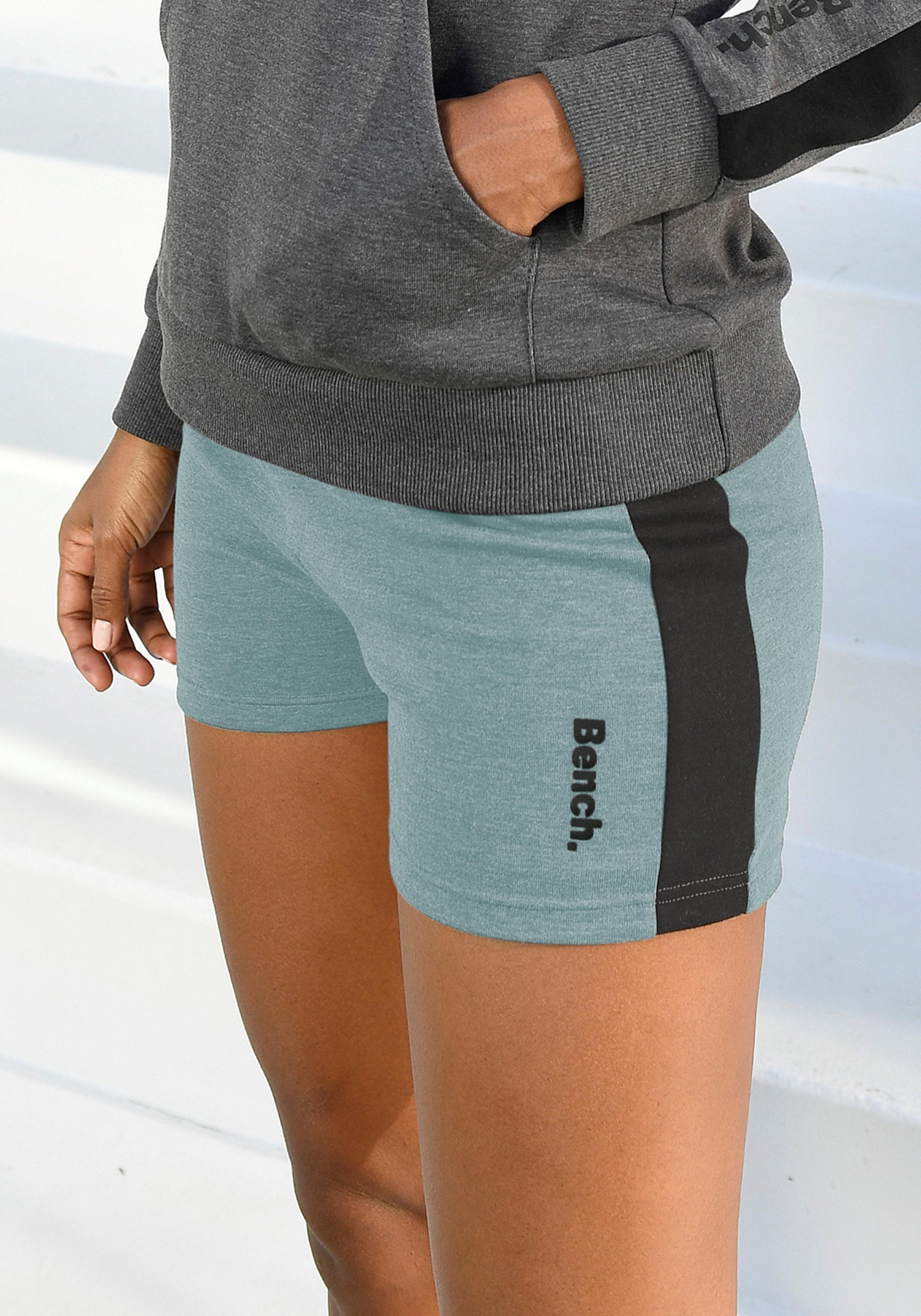 Bench. sweatshort - verschillende betaalmethodes