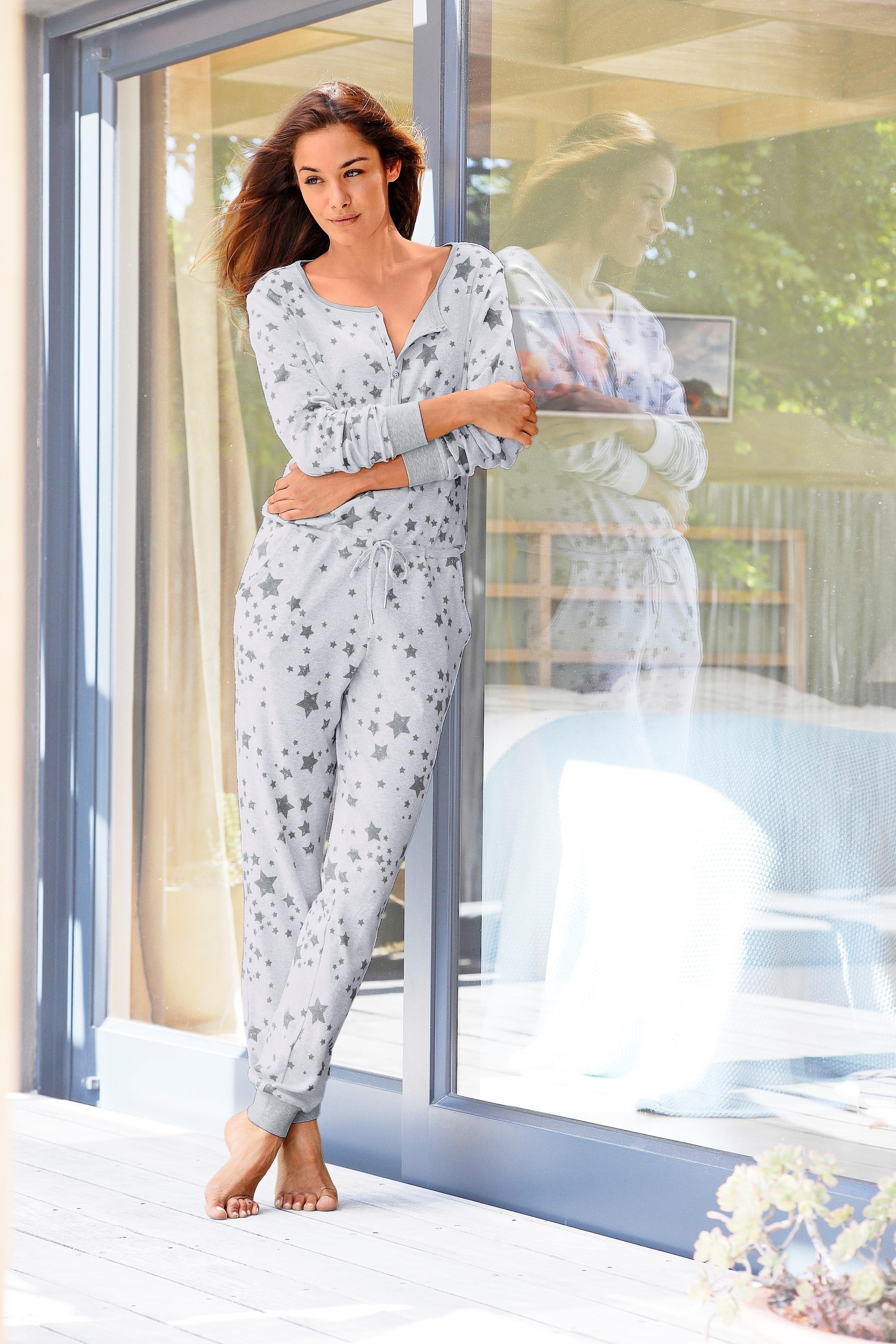 Bench. homewear jumpsuit met sterrenprint - gratis ruilen op lascana.nl