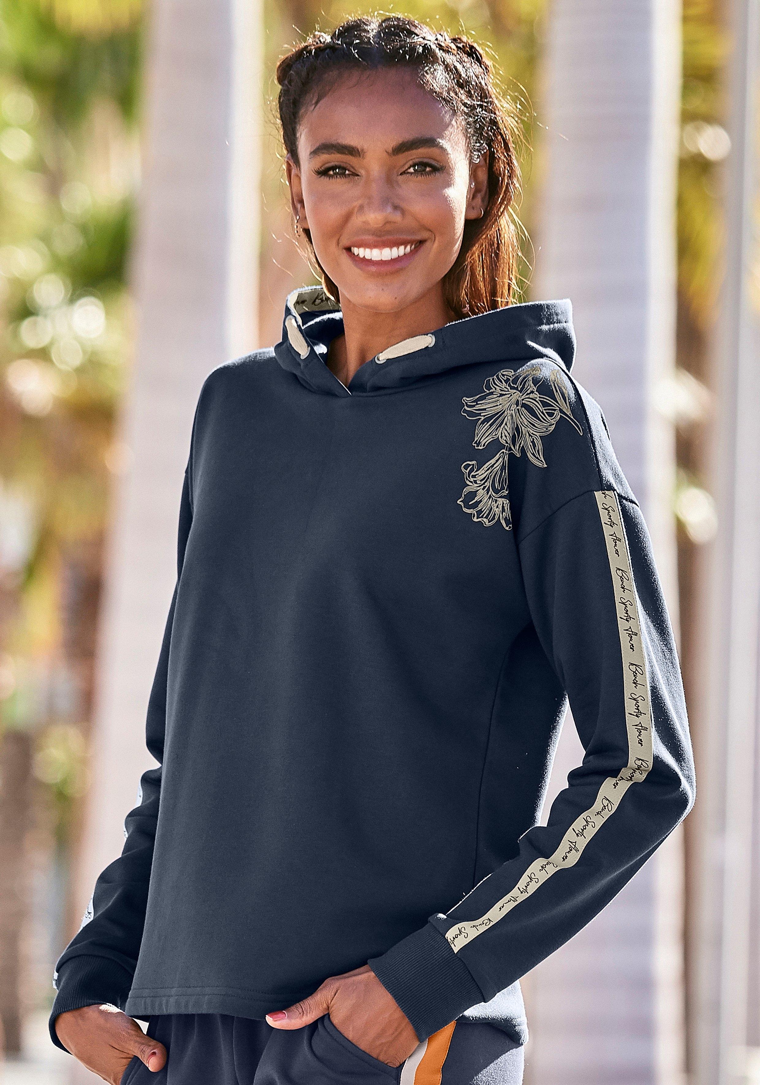 Bench. hoodie met bloemenprint en logotapes bij Lascana online kopen
