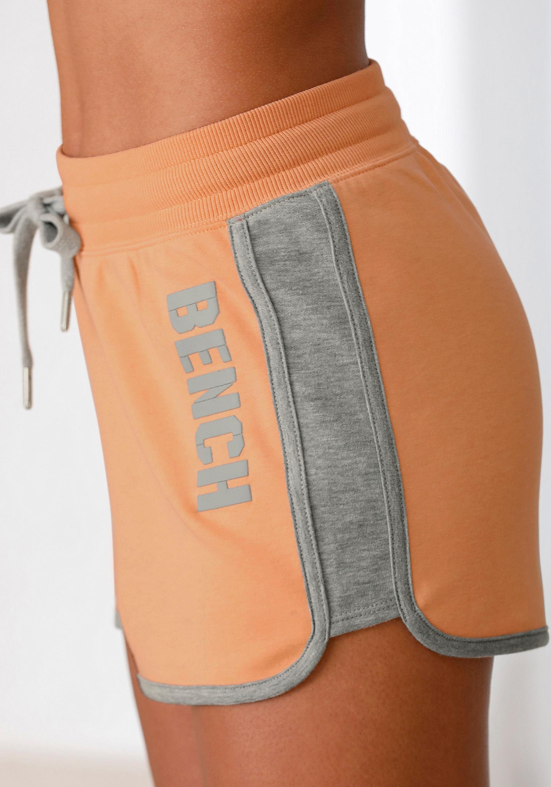 Bench. sweatshort »BENCH Contrast« goedkoop op lascana.nl kopen