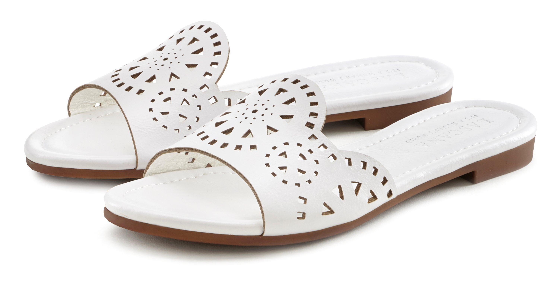Op zoek naar een Lascana Slippers met kleine uitsparingen? Koop online bij Lascana