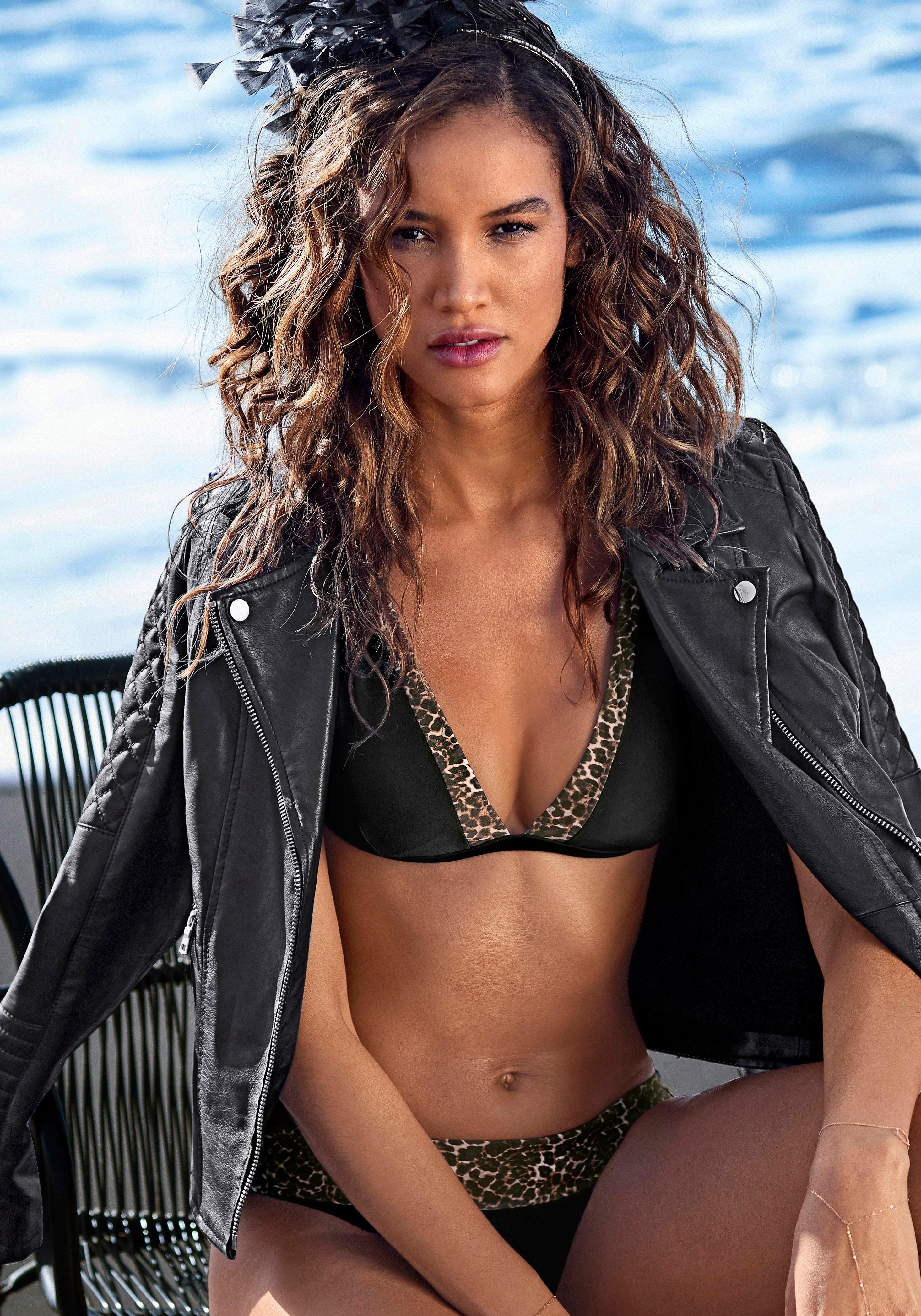 Lascana triangel-bikinitop ADELE met trendy details nu online kopen bij Lascana
