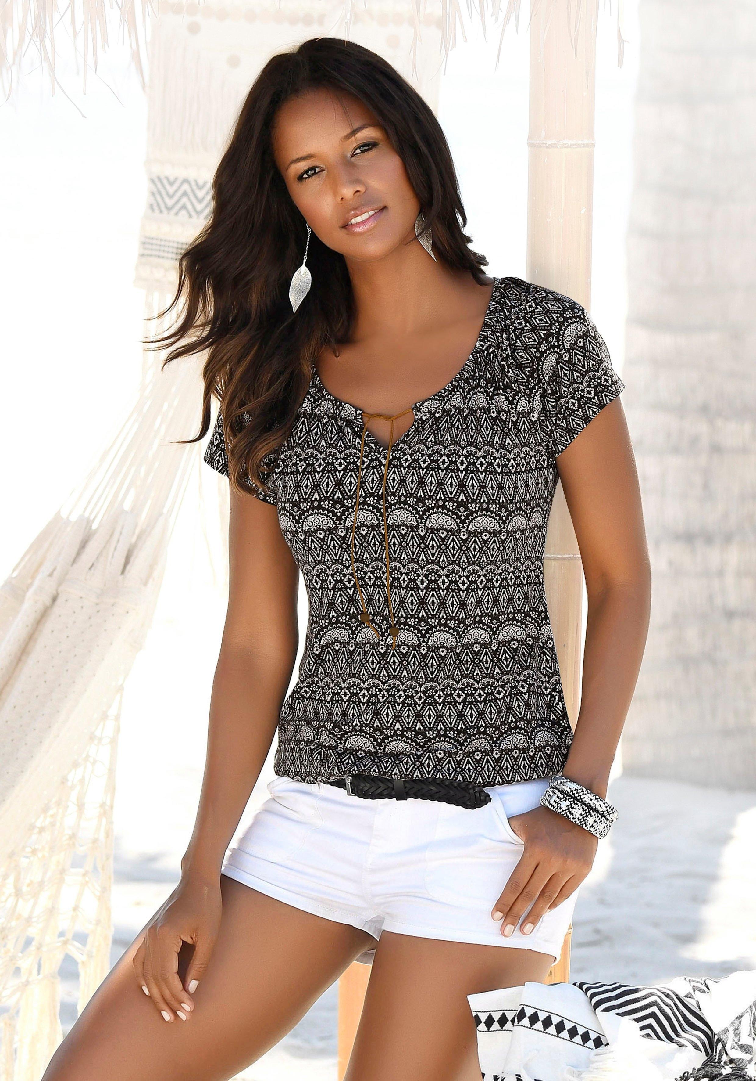 Op zoek naar een Lascana T-shirt met bandjes in imitatieleer (Set van 2)? Koop online bij Lascana