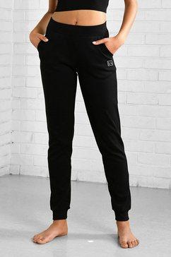 active by lascana joggingbroek in een smal model met boord zwart