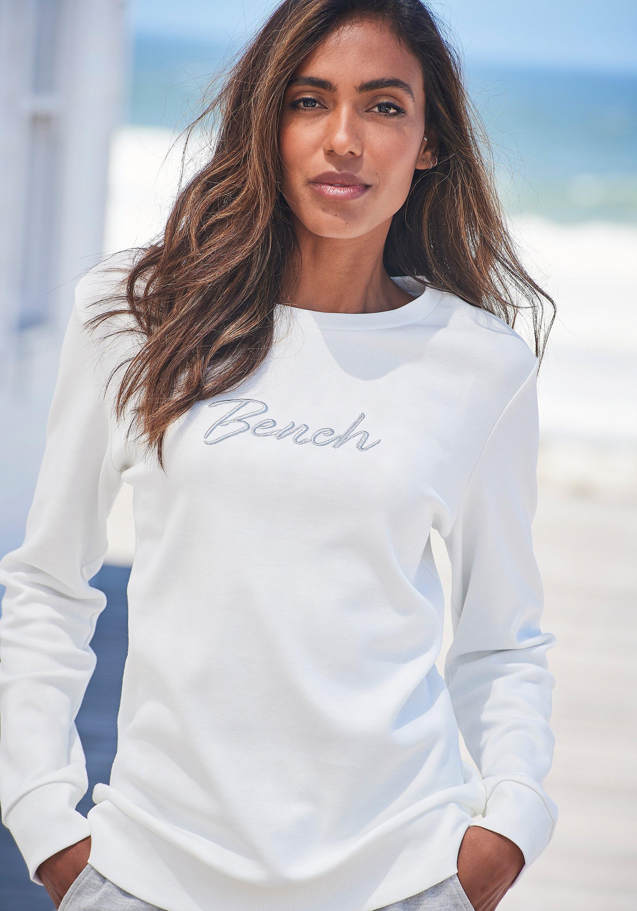 Op zoek naar een Bench. sweatshirt met glanzend logoborduursel? Koop online bij Lascana